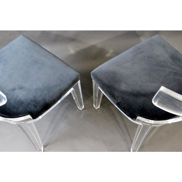 Contemporary Modernist Curved Lucite and Velvet Side Accent Side Chairs-a Pair For Sale In Detroit - Image 6 of 8