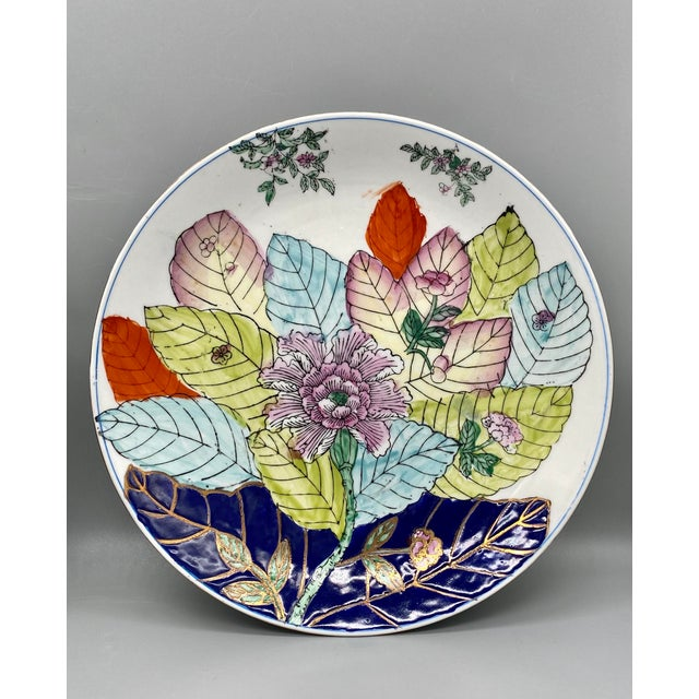 White 20th Century Chinese Tobacco Leaf Pattern Plates - a Pair For Sale - Image 8 of 10