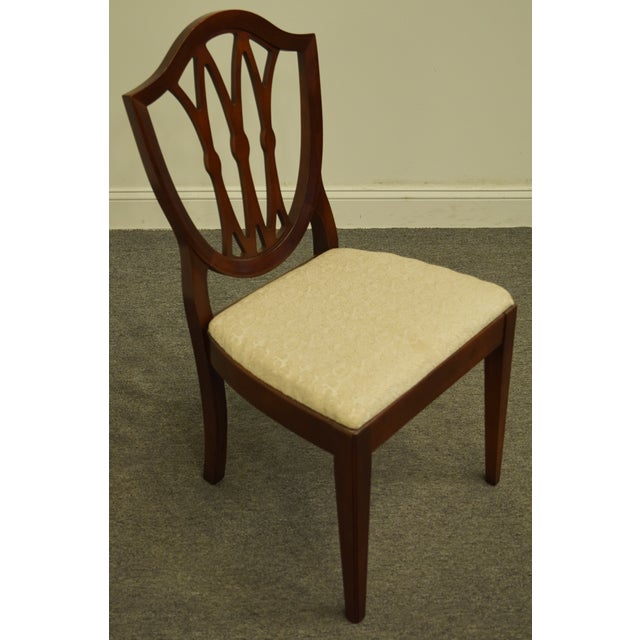 Duncan Phyfe 1960's Antique Vintage Solid Cherry Duncan Phyfe Sheild Back Side Chair For Sale - Image 4 of 10
