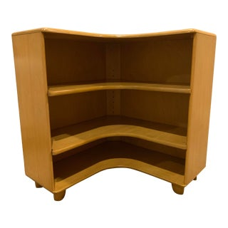 1947 Heywood-Wakefield Wheat Finish Corner Bookcase For Sale