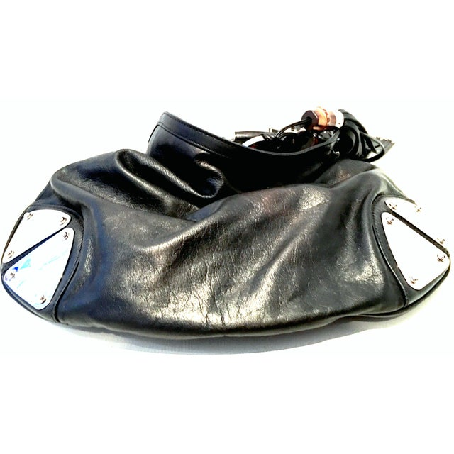 """Early 21st Century 21st Century Gucci Black Leather & Chrome """"Indy"""" Hobo Hand Bag For Sale - Image 5 of 13"""