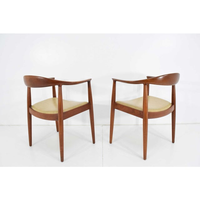 Brown Pair of Hans Wegner Round Chairs For Sale - Image 8 of 8