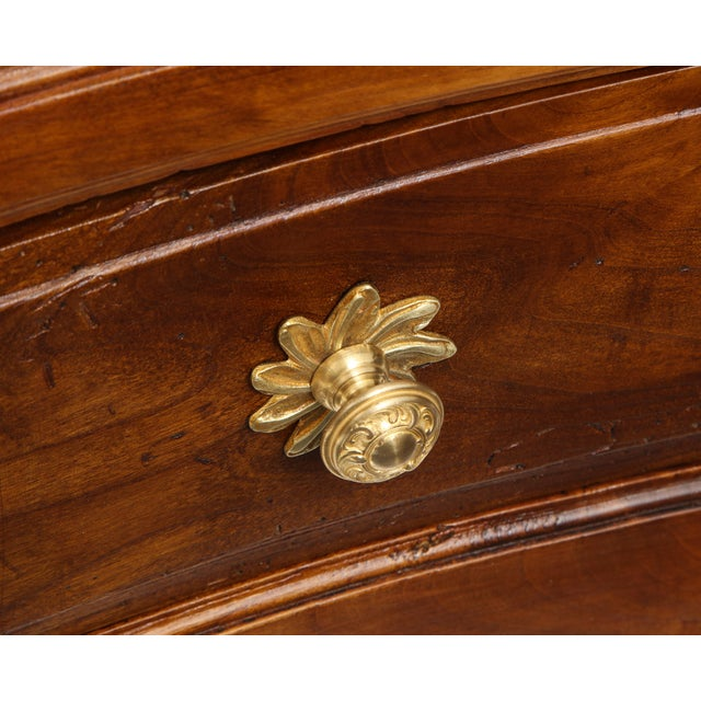 Mid 18th Century Walnut Commode For Sale - Image 5 of 13