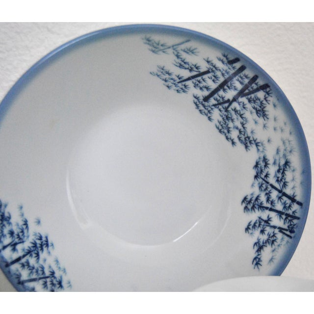 Asian Mikawachi Blue White Ramen and Tea Bowls - Set of 4 For Sale - Image 3 of 7