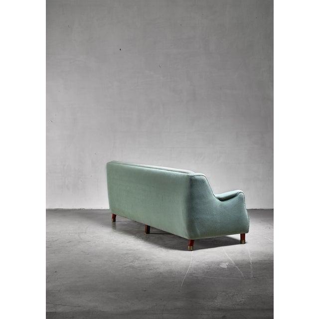 Johannes Hansen Grete Jalk Four Seater Sofa for Johannes Hansen, Denmark, 1970s For Sale - Image 4 of 5