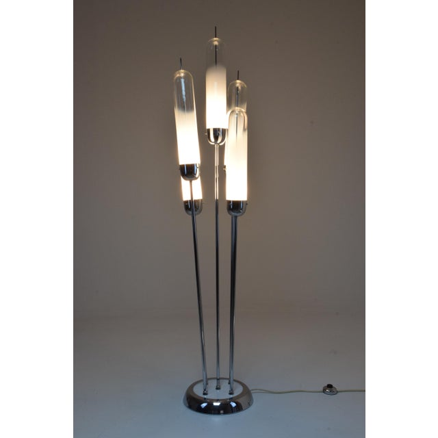A 20th century Italian floor lamp designed by Carlo Nason for Mazzega circa 1970s and composed of five striking white...