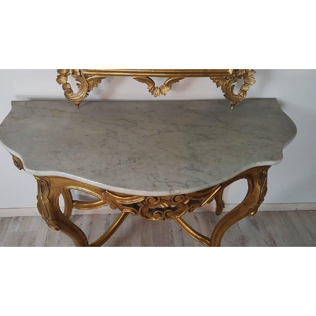 20th Century Italian Baroque Style Carved Gilded Wood Console Table With Mirror For Sale - Image 4 of 11