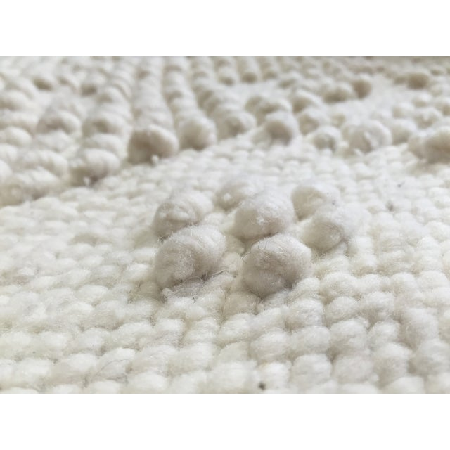 "White Wool Rug - 4'5"" x 7'1"" - Image 10 of 10"