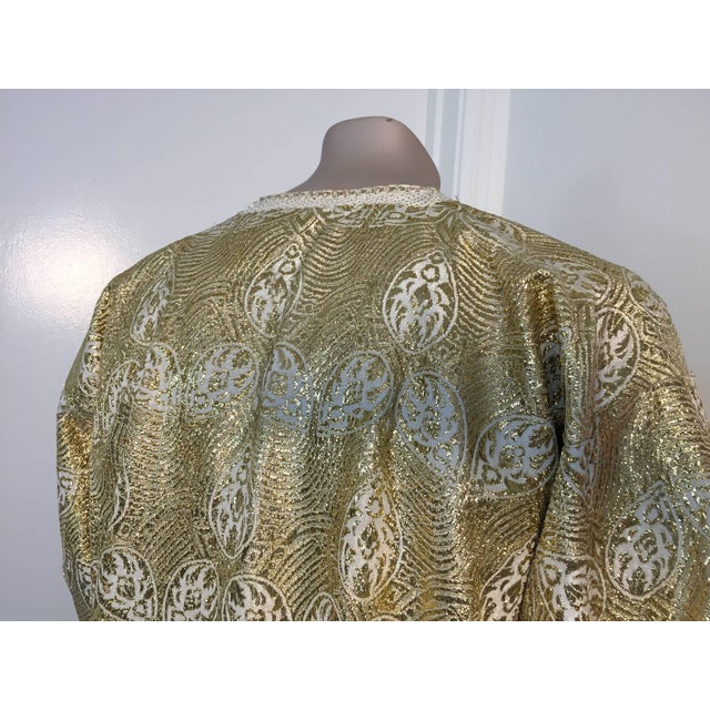 Gold 1960s Moroccan Caftan in Silver and Gold Brocade Vintage Gentleman Kaftan For Sale - Image 8 of 9