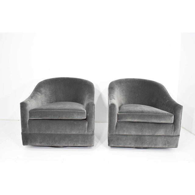 Harvey Probber Pair of Harvey Probber Swivel Lounge Chairs For Sale - Image 4 of 8