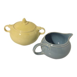 1940s Vintage LuRay Pastels Windsor Blue Creamer and Persian Cream Sugar Bowl With Lid - a Pair For Sale