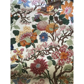 Traditional Gp & J Baker Magnolia Linen Fabric - 8 1/2 Yards For Sale