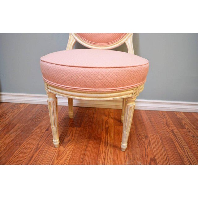 1900 - 1909 Louis XVI Style Painted Boudoir Chairs Newly Upholsted in a Pink Fabric - a Pair For Sale - Image 5 of 9