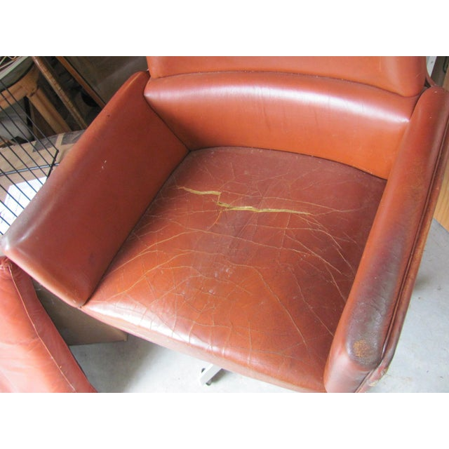 Rare executive lounge chair designed by noted Danish designer / architect Finn Juhl for France and Son, Denmark. Original...