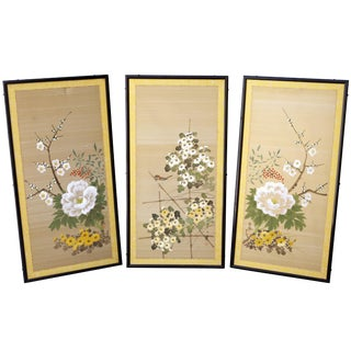 Vintage Hand-Painted Japanese Floral Panels in Black Lacquer Wood Frames - Set of 3 For Sale