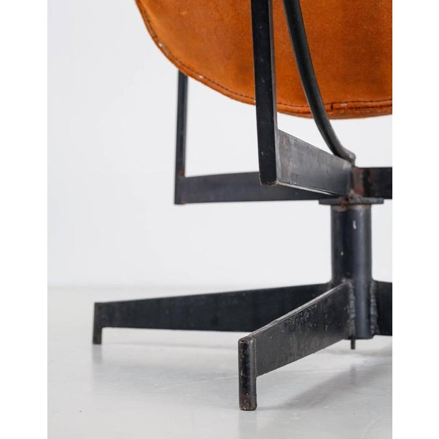 William Katavolos Swiveling Brown Leather Sling Chair, USA, 1950s - Image 10 of 10