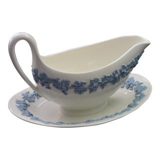 Vintage Wedgwood Gravy Boat With Saucer - A Pair