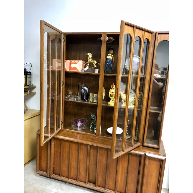 1960s Mid Century Modern Keller Furniture Walnut China Cabinet For Sale In Charleston - Image 6 of 7
