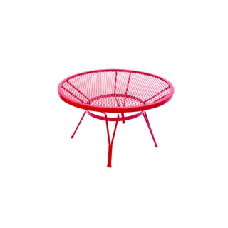 Mid-Century Salterini Round Metal Mesh Patio Cocktail Table | Red Circular Accent Table | Indoor/Outdoor Color Pop Plant Stand For Sale