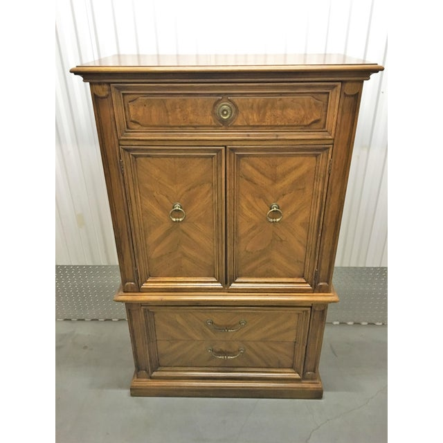 Very well taken care of traditional style vintage dresser. No issues.