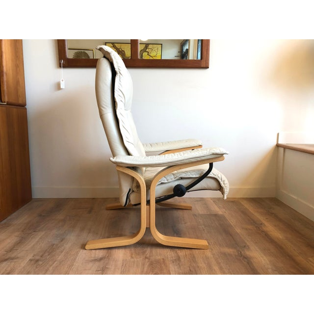 Leather Ingmar Relling for Ekornes Vintage Leather Siesta Recliner Chair With Ottoman For Sale - Image 7 of 9