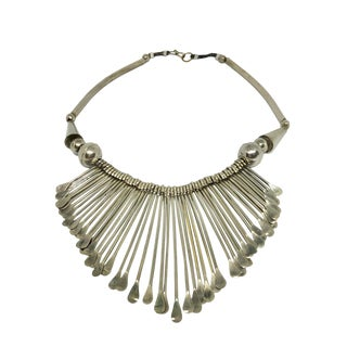 1960s Vintage Native American Style Silver Drop Necklace For Sale