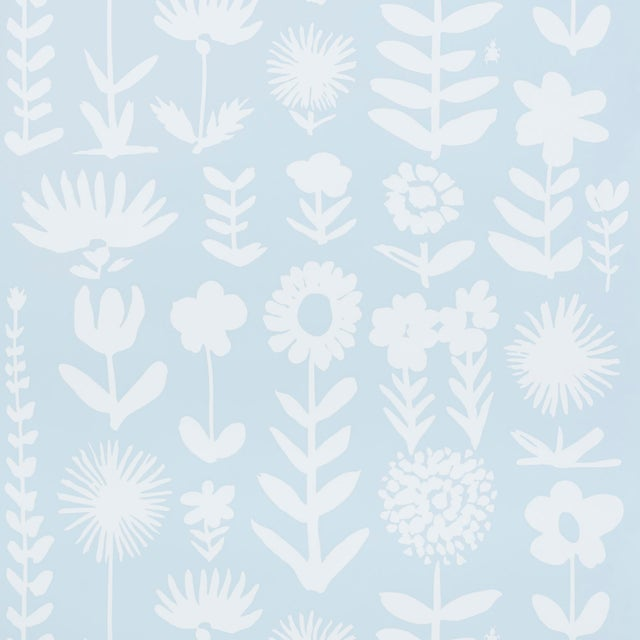 Early 21st Century Schumacher X Vera Neumann Wild Things Wallpaper in Sky For Sale - Image 5 of 5