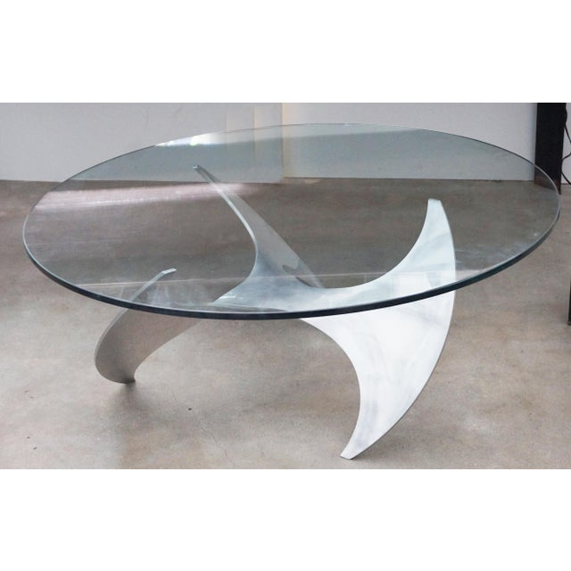 Knut Hesterberg's elegant cocktail table in the form of a propeller. Classic German Modernist design Made of aluminum....