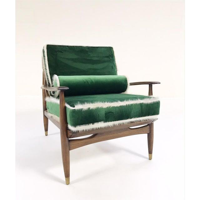 Vintage Walnut Lounge Chair Attributed to Finn Juhl Restored in Schumacher's Emerald Green Silk Velvet and Brazilian Cowhide - Image 4 of 10