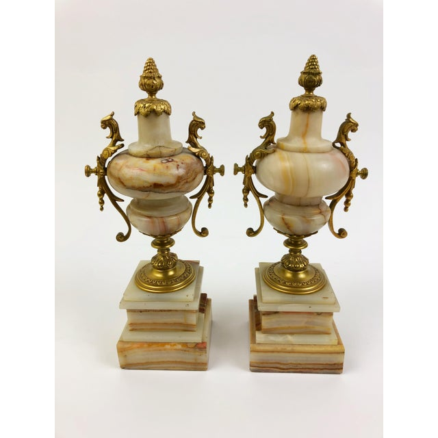 French Pair of French Marble Urns in Beige and Rust with Bronze Mounts For Sale - Image 3 of 3
