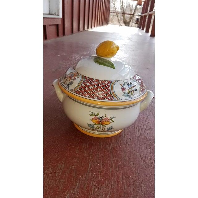 Vintage Villeroy and Boch Normandie Pattern Porcelain Tureen With Lemon Finial For Sale In Philadelphia - Image 6 of 6