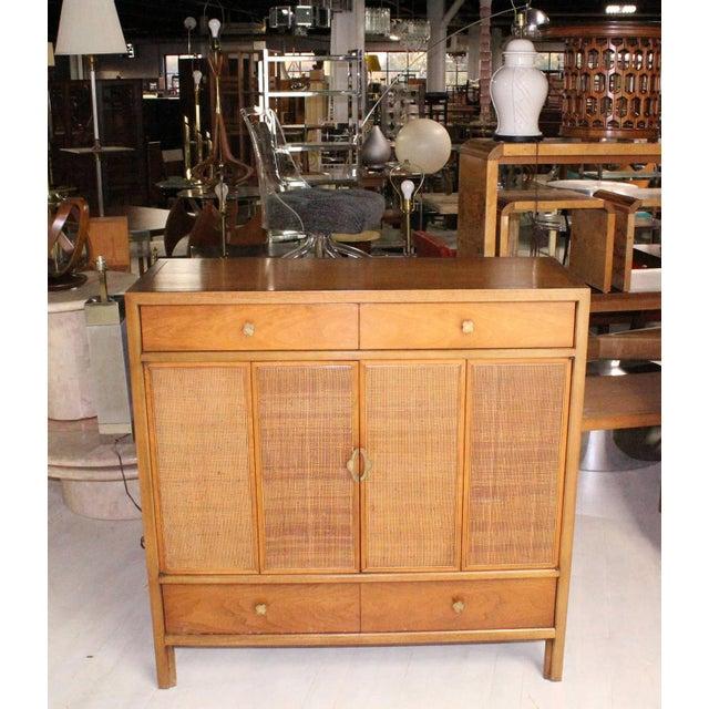 Brown Mid-Century Modern Henredon Gentelmen's Chest For Sale - Image 8 of 11