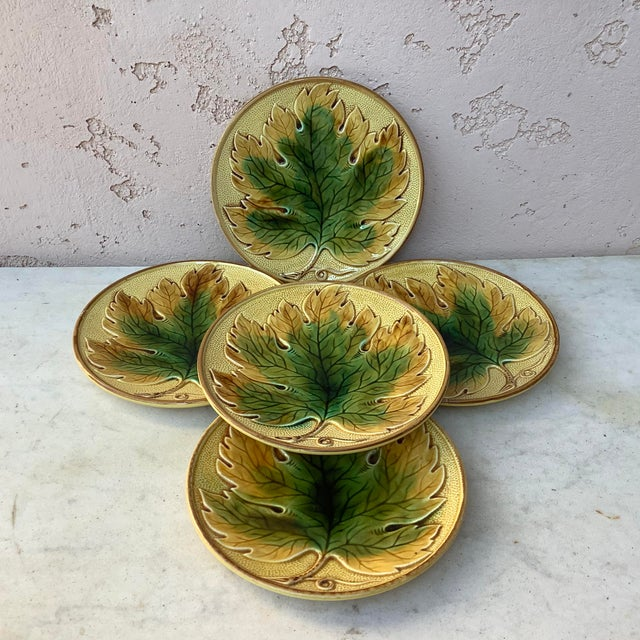 German Majolica Leaf Plate, Circa 1900 For Sale - Image 4 of 5