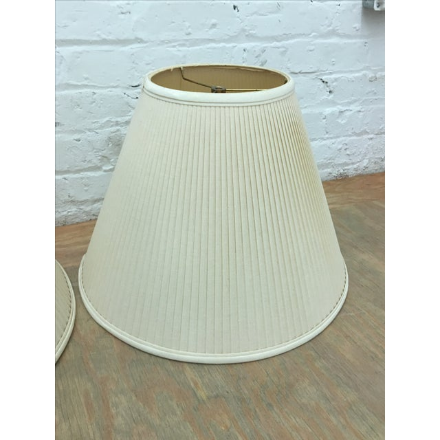 Ivory/White Linen Lampshades - a Pair - Image 3 of 5