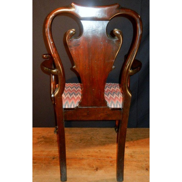 Georgian George II-style Hand-Carved and Parcel-Gilt Arm Chairs, England Circa 1810-1830 - A Pair For Sale - Image 3 of 13