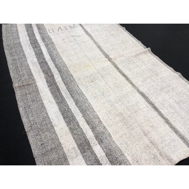 White 1960s Vintage Natural Wool Turkish Handwoven Anatolian Aztec Floor Rug- 5′4″ × 8′2″ For Sale - Image 8 of 11