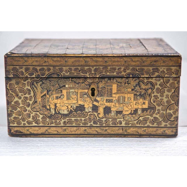 Asian 19th Century Chinoiserie Antique Humidor Jewelry Box For Sale - Image 3 of 12