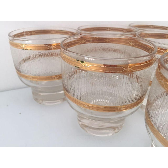 1970s Mid Century Gold & Clear Textured Short Cocktail Glasses - Set of 6 For Sale - Image 5 of 8