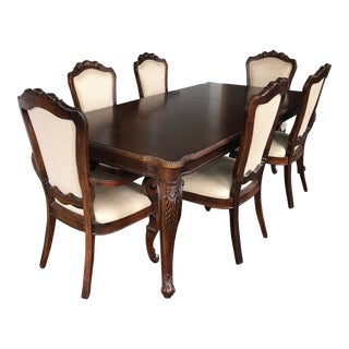 Thomasville Traditional Cherry Dining Room Set For Sale