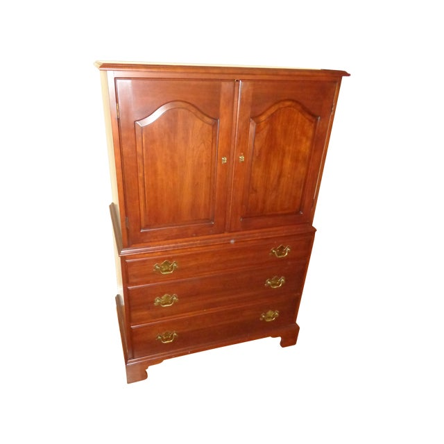 Henkel Harris Black Cherry Gentleman's Chest 173 - Image 1 of 10