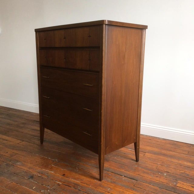 Broyhill Saga Highboy Dresser - Image 5 of 10