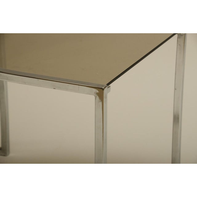 Set of Three Mid-Century Glass and Chrome Nesting Tables by Milo Baughman For Sale In New York - Image 6 of 7