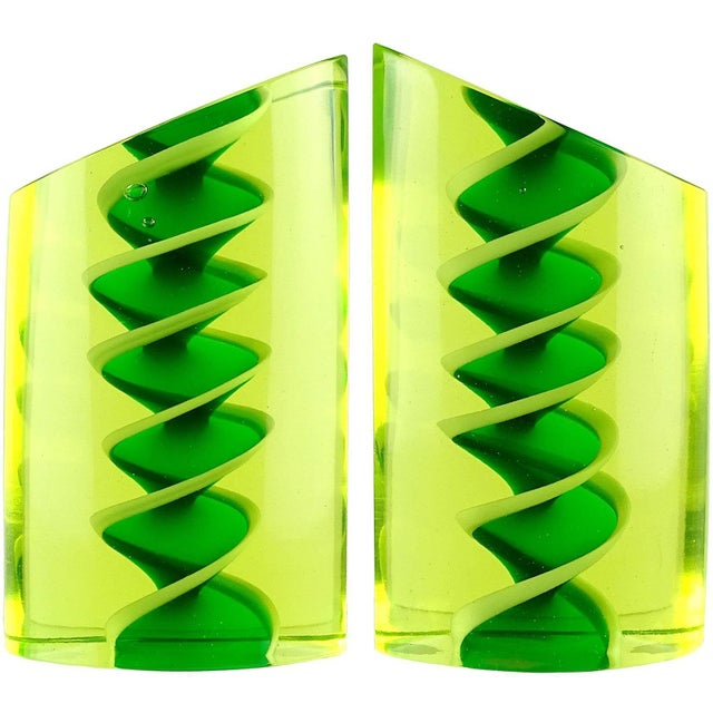 Glass Murano Glowing Sommerso Ribbons Italian Art Glass Uranium Rod Bookend Sculptures For Sale - Image 7 of 7
