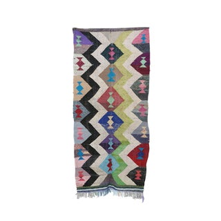 1980s Boucherouite Moroccan Kilim - 4′4″ × 9′1″ For Sale