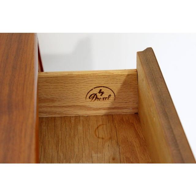 Brown Mid-Century Modern Kipp Stewart Drexel Declaration Walnut Pair of Nightstands For Sale - Image 8 of 10