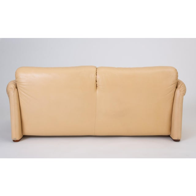"Tan Leather ""Maralunga"" Loveseat by Vico Magistretti for Cassina For Sale - Image 8 of 13"
