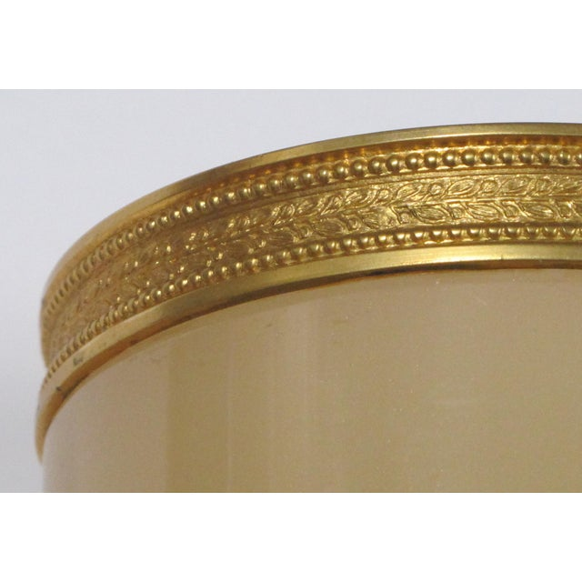 French Ecru-Colored Opaline Bijouterie / Trinket Jar With Gilt-Bronze Mounts For Sale In San Francisco - Image 6 of 7