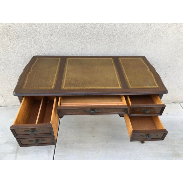 Traditional Original Vintage Sligh Furniture Leather Top Writing Desk For Sale - Image 3 of 13
