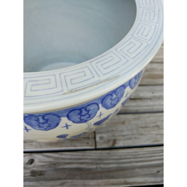 Mid 20th Century Large Asian Blue & White Pot For Sale - Image 5 of 7