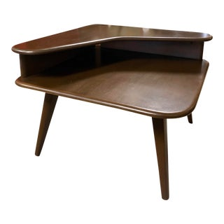 1950s Mid Century Modern Heywood-Wakefield Corner Side Table For Sale